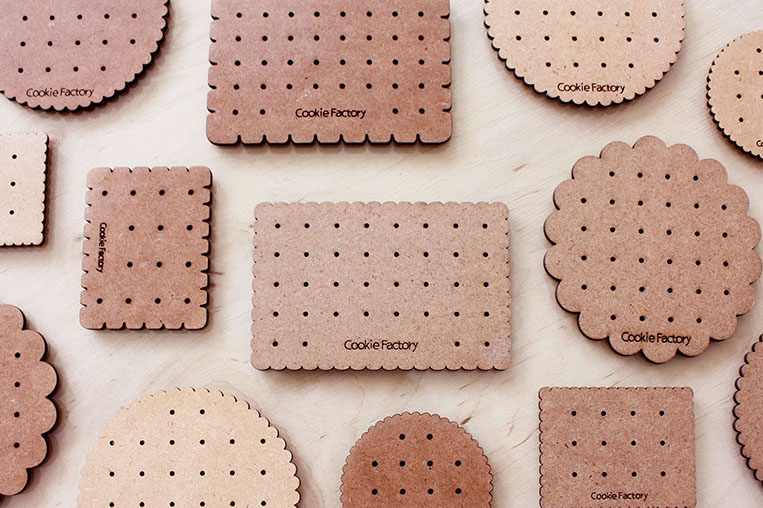 Meng-Chan Yu, Cookie Factory, wooden earring holder